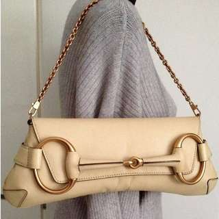 100% GUCCI Beige Leather Horsebit Gold Chain Clutch Bag retail US$2500 plus