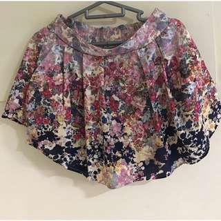 Buy 2 get 1 free! Clearance Sale: Floral skirt with pockets and inner shorts