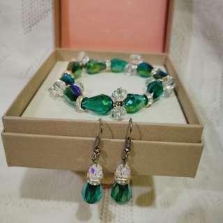 Fashion earring and bracelet set