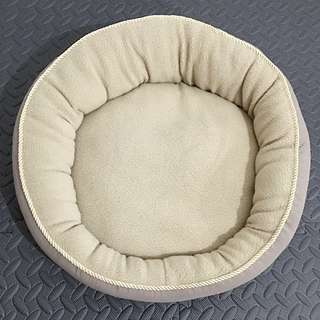 "18"" Round Pet Bed Free SF Via Lbc"