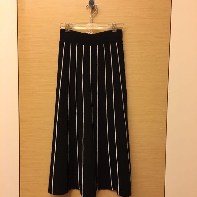 重針織直條紋圓裙 傘裙 黑底白條紋