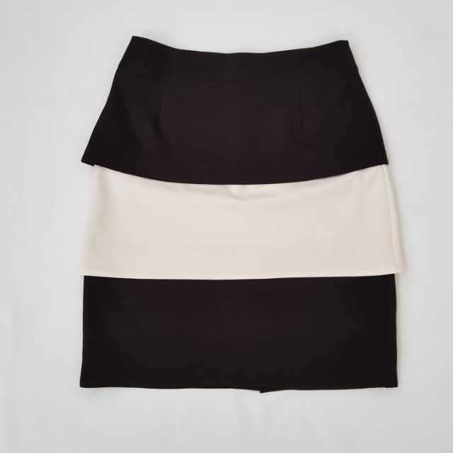 Black and white skirt size 10 but more 12