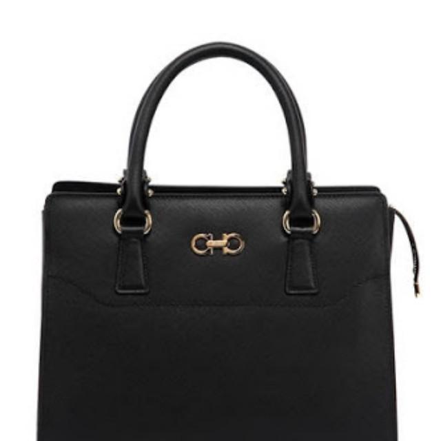 Brand new Salvatore Double Gancio handbag