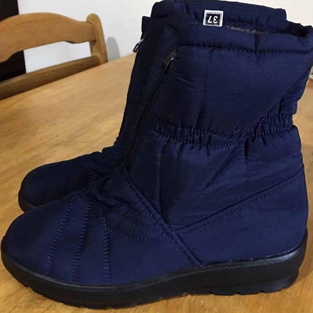 Brand new Snow Boots