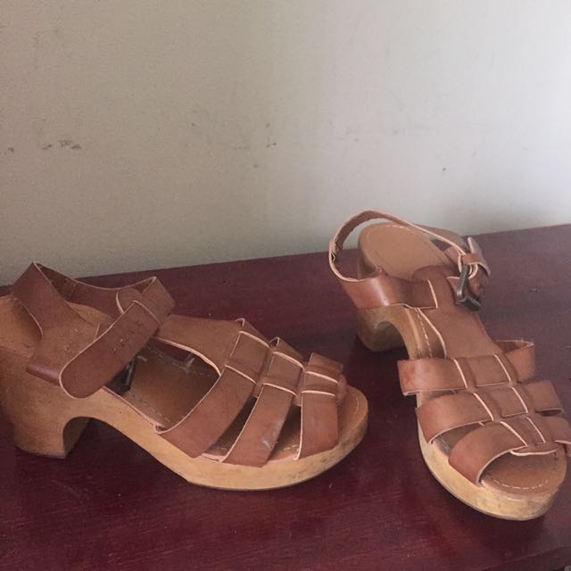 Brown clogs size 36