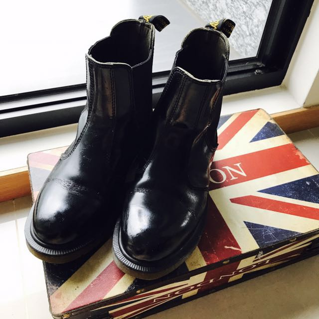 Dr. Martins 短筒靴. UK5