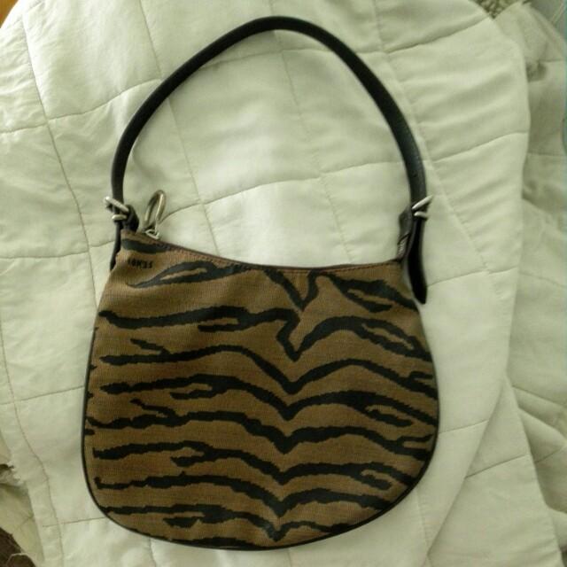 bf11ed9017 Fendi used handbag
