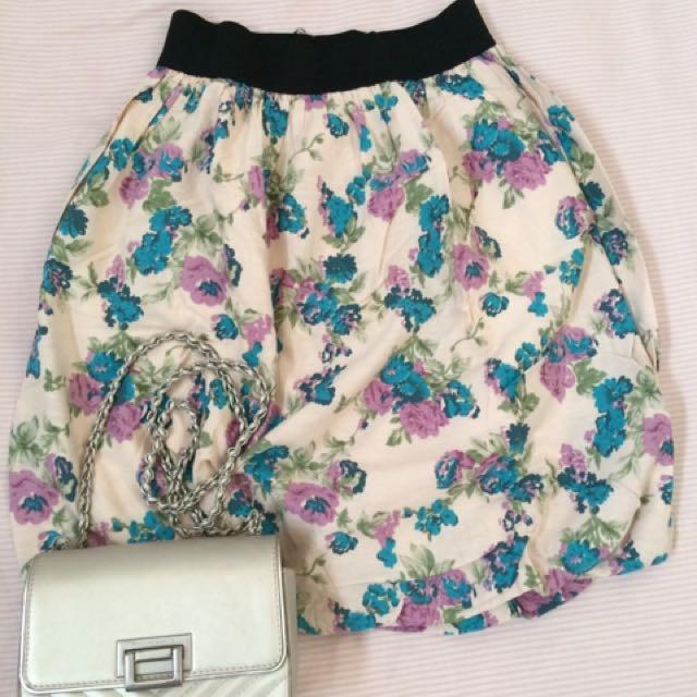 Flowers skirt ( balloon)