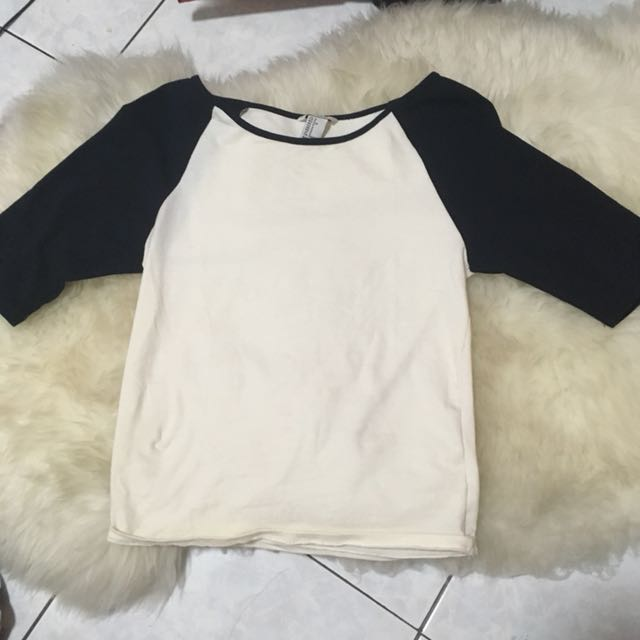 FOREVER 21 FITTED CROPPED RAGLAN TOP