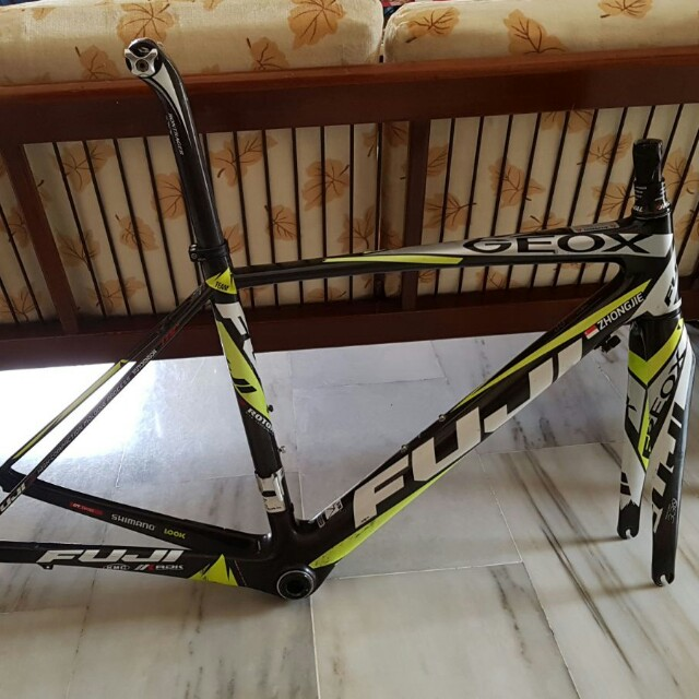 Incompatible Cuerda condensador  Full Carbon Fuji Altamira Geox-TMC Team Edition Road Bike Frame, Bicycles &  PMDs, Bicycles on Carousell