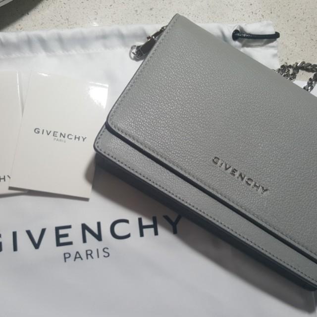 Givenchy Pandora WOC