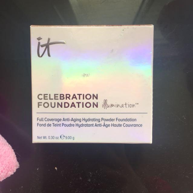 IT cosmetics celebration powder foundation