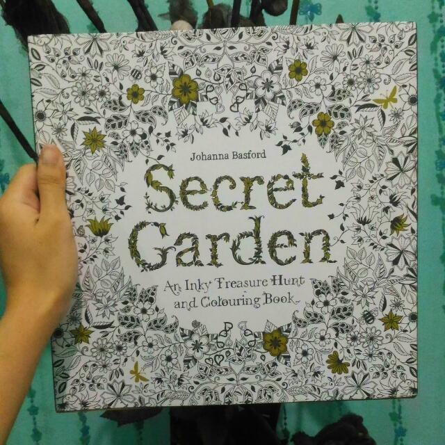 Johanna Basford Secret garden An Inky Treasure Hunt And Colouring Book