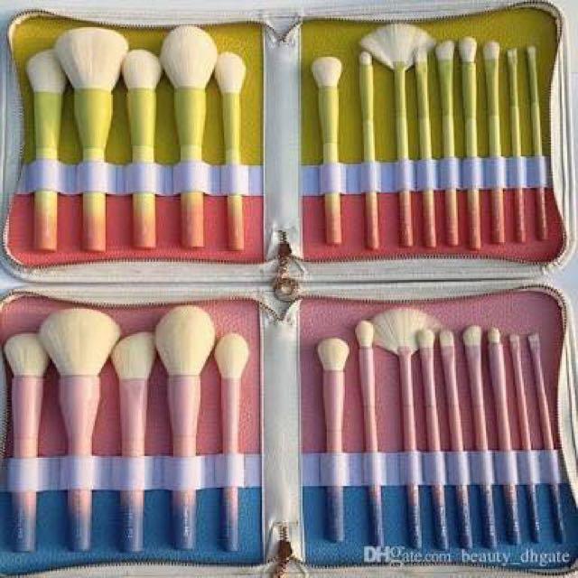 Make-up Brushes! 😊