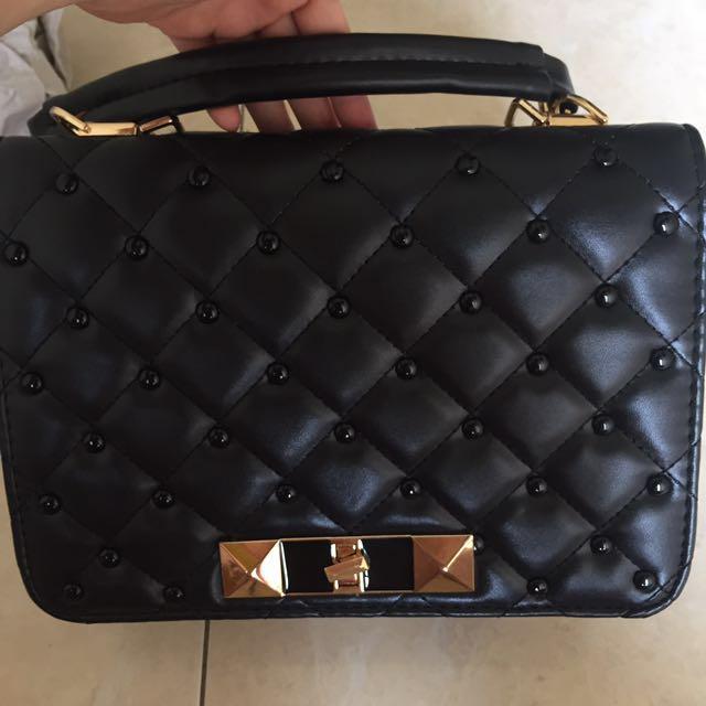 NEW!!! Victoria Beckham Sling Bag