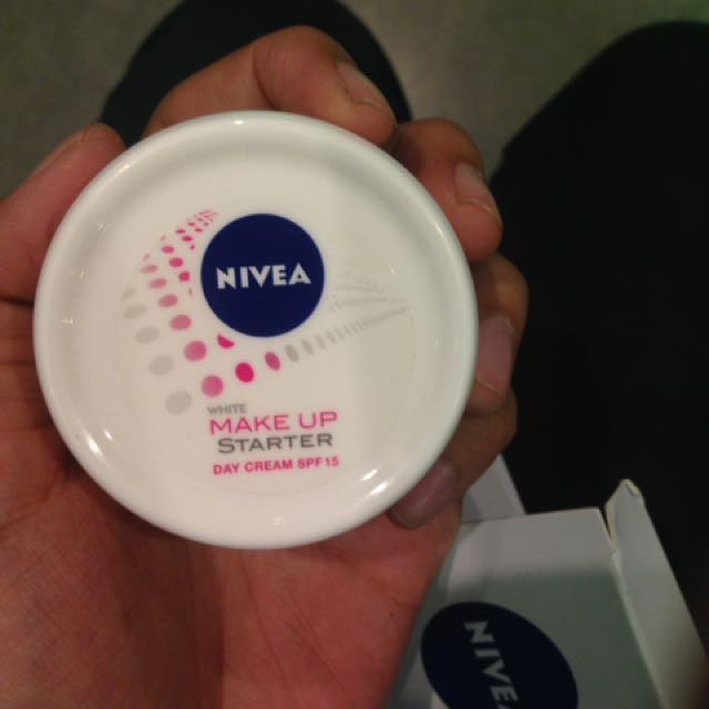 nivea make up starter