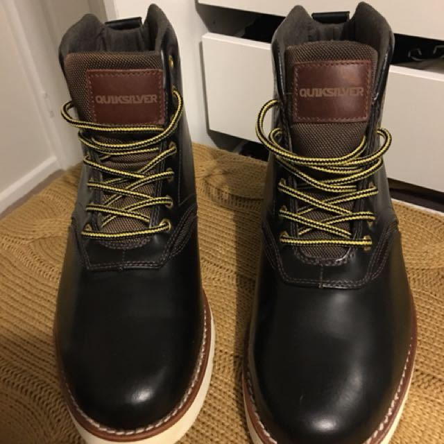 Quicksilver Boots