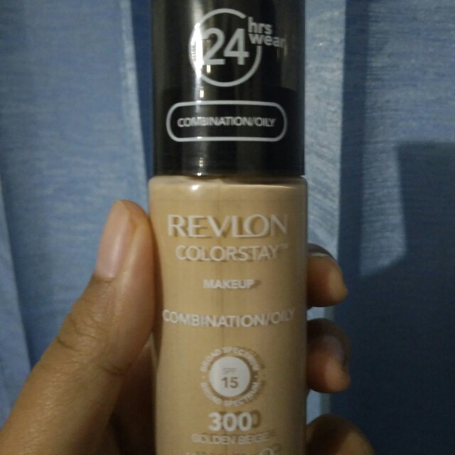 REVLON Colorstay Foundation (300 Golden Beige