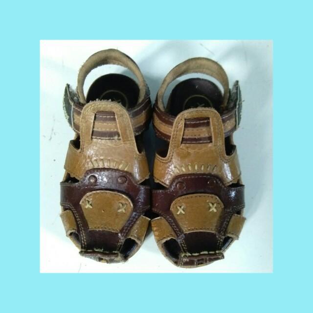Sandal kid zone