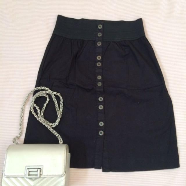 Skirt Black (Details)