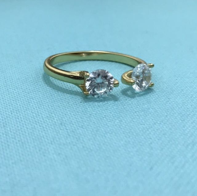 Sterling silver and crystal ring: one size