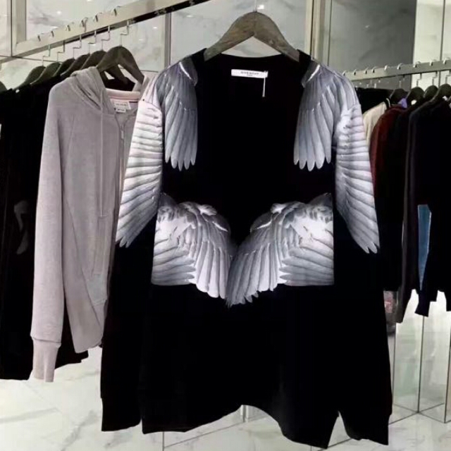 Ua Givenchy Sweater