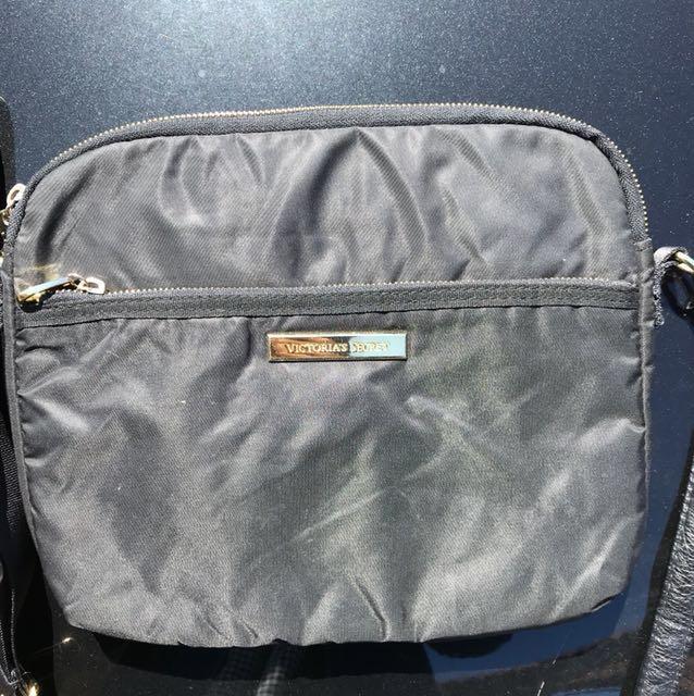 VICTORIA'S SECRET Case/pouch