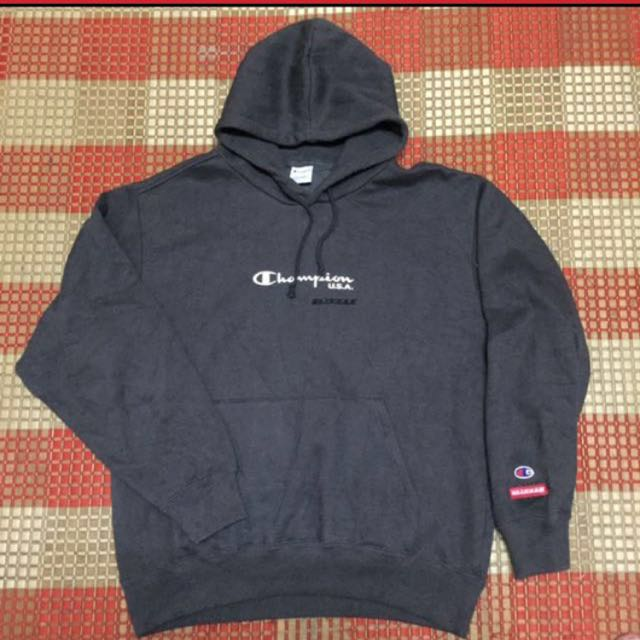 573a9f1cc0c3 Vintage Champion Hoodie, Men's Fashion, Clothes on Carousell
