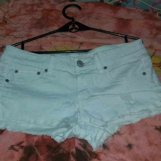 White maong shorts (size 29)