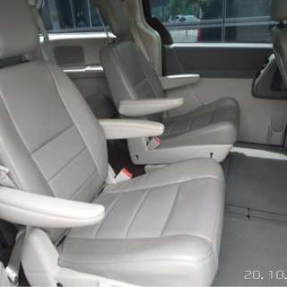 MPV 7 seater for rent equivalent to Toyota Vellfire Or Alphard