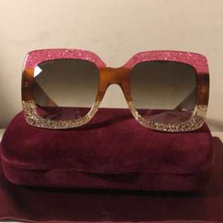 BRAND NEW Gucci large frame sunglasses
