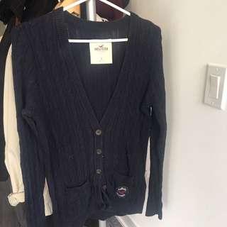 HOLLISTER knit cardigan size L fits like an M