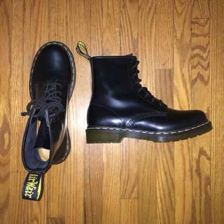 DOC MARTENS UK 7