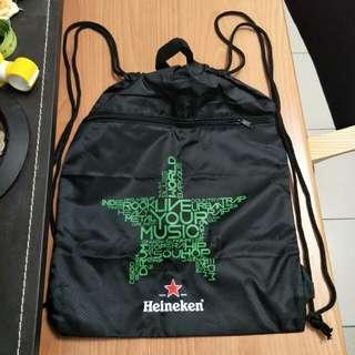 全新便宜賣 海尼根 Heineken 運動背包 雙層防水束口袋 #幫你省運費
