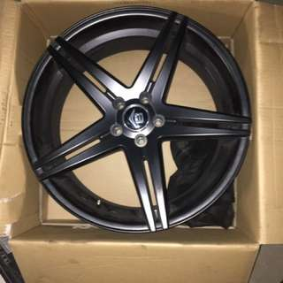 20x8.5 inch V24 rims suit most cars