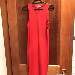 Red 3/4 length dress