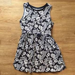 Uniqlo Dress 7-8yo