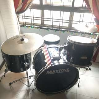 (Reserved)Drumset (Maxtone) Price Reduced!!!