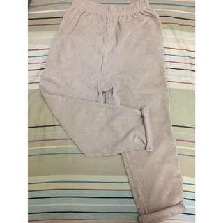 米白色哈倫褲