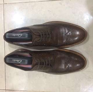 Preloved Clarks Wingtip Brogues