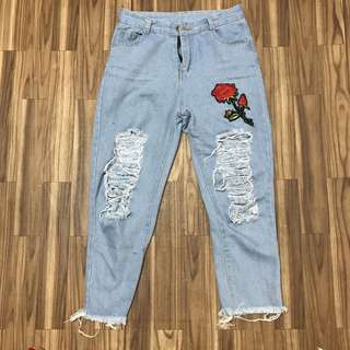 Embroidery Ripped Jeans
