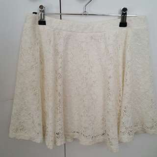 Mooloola white lace skirt sz12