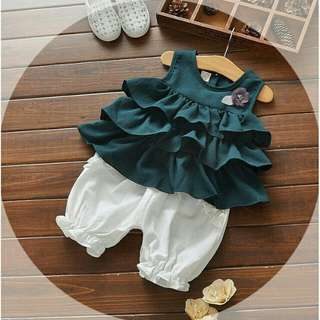 Green baby girl set