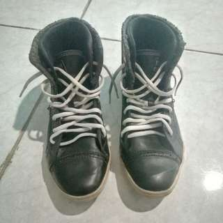 Tomkins boots