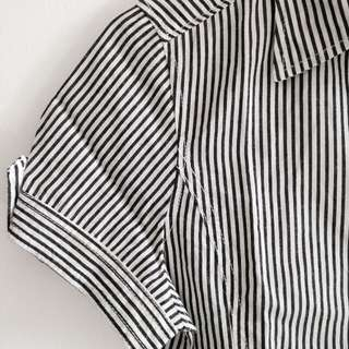 Kemeja stripes black and white