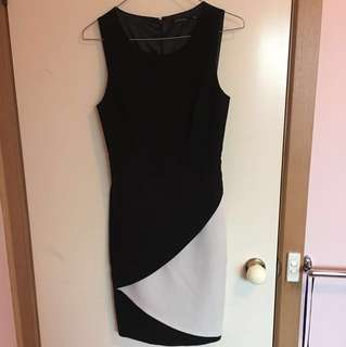Portmans work dress size 6 black and white