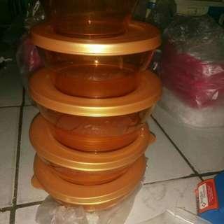 Tupperware clear bowl