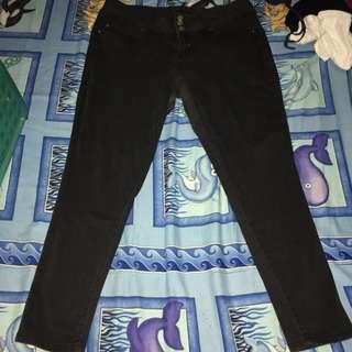 Plus size: Black Skinny Jeans