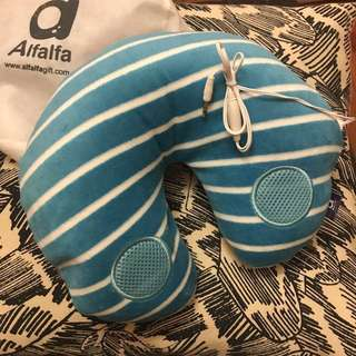 全新 旅行頸枕 連speaker / Neck cushion with speaker 100% new