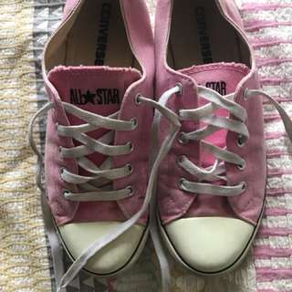 Women's pink converse size 8 AUD